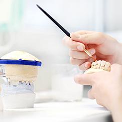 3 Kriterien, anhand derer Sie hochwertigen Zahnersatz erkennen
